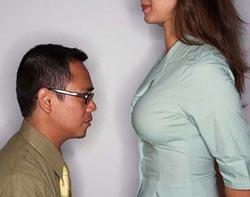 mengapa pria suka payudara wanita